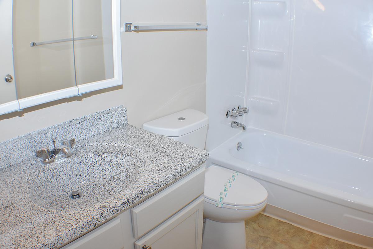sparks apartment with bathtub