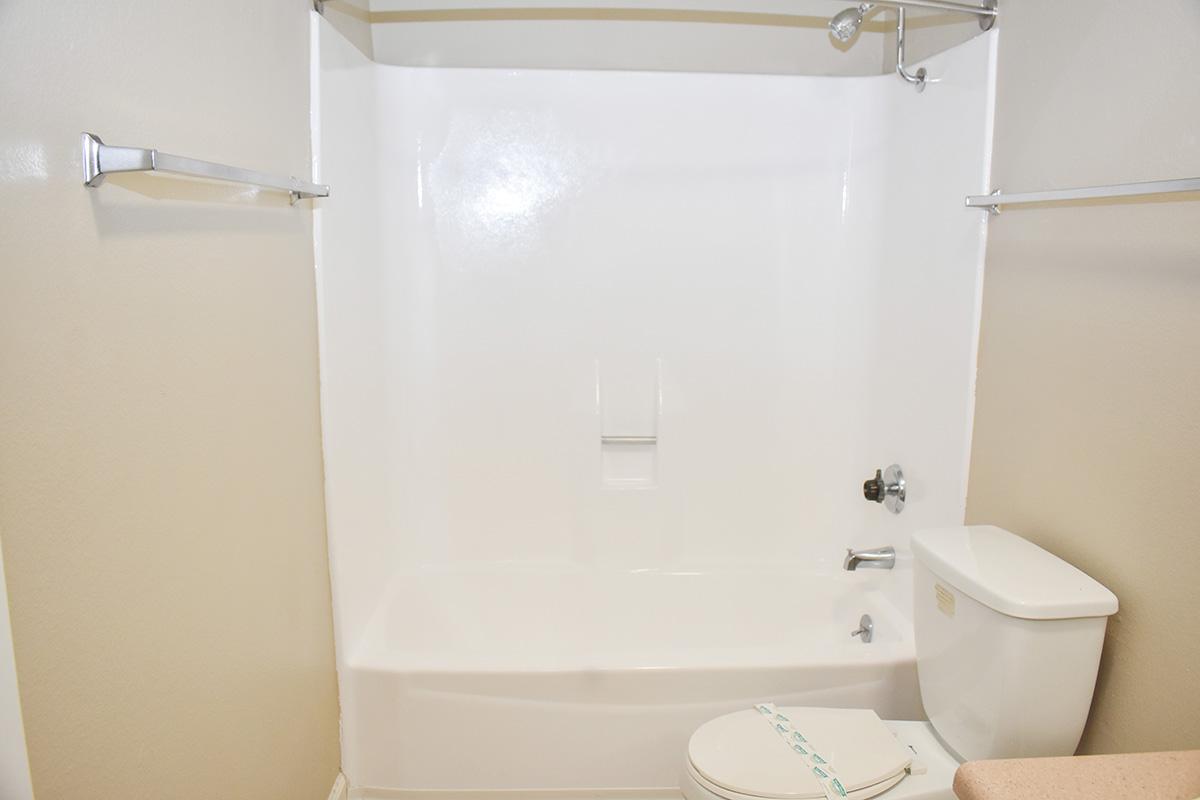 reno apartment with tub